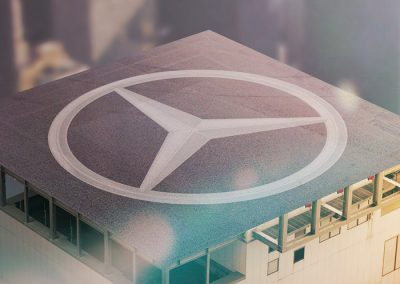 Mercedes-Benz To the line